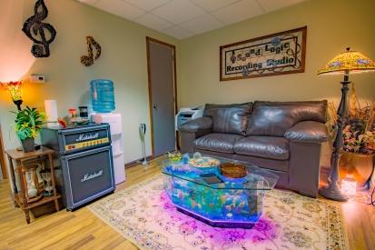 sound-logic-recorrding-studio-lobby-pic-1